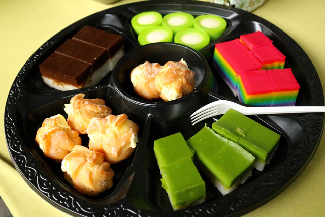 Variety of traditional Malay desert in PS-74